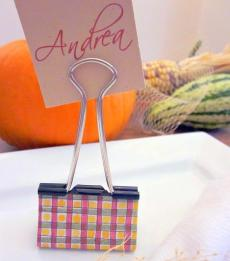 Use a binder clip to make custom place cards